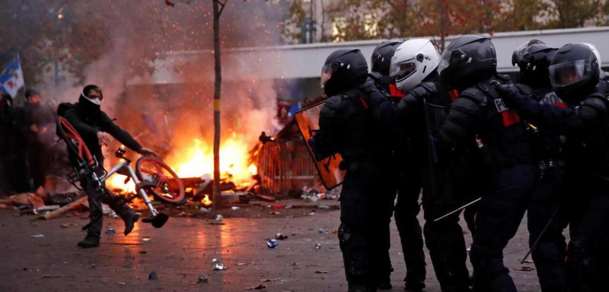 Greve geral na França é marcada por protestos