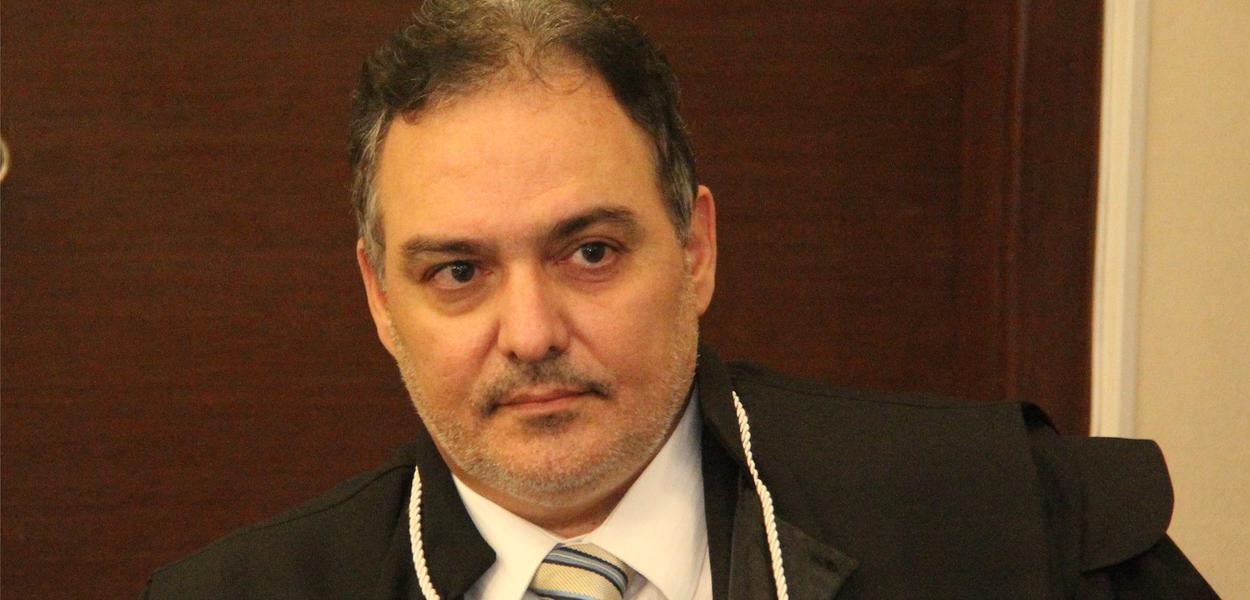 Desembargador Alexandre Victor de Carvalho