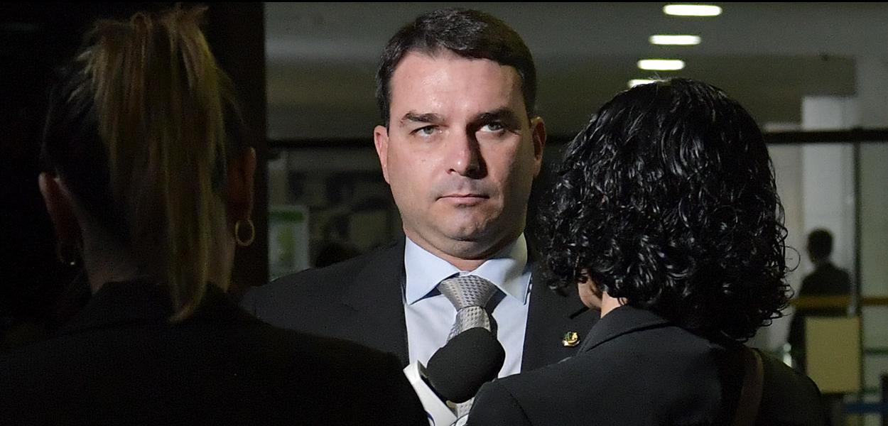 Senador Flávio Bolsonaro (PSL-RJ) concede entrevista.  \r\rFoto: Marcos Brandão/Agência Senado