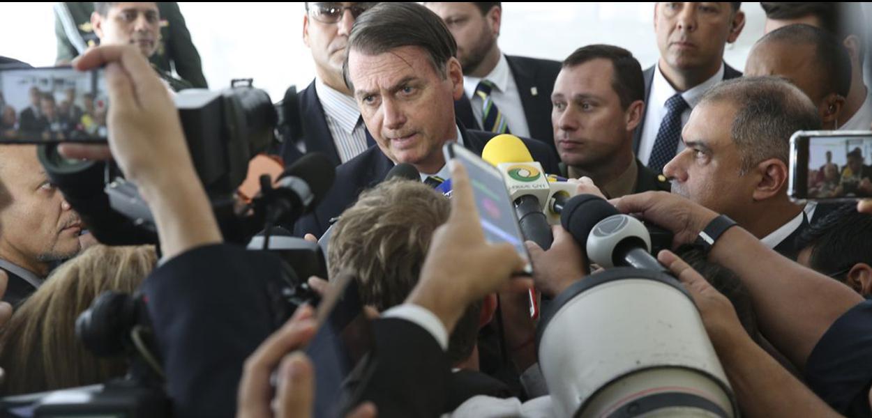 O presidente Jair Bolsonaro em coletiva no palácio da Alvorada.