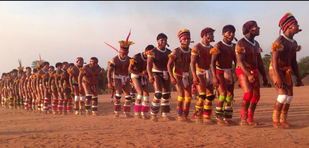 Festividades de povos do Xingu.