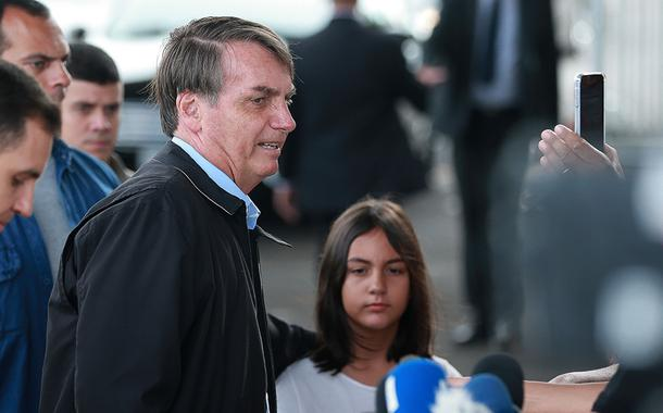Jair Bolsonaro e Laura Bolsonaro