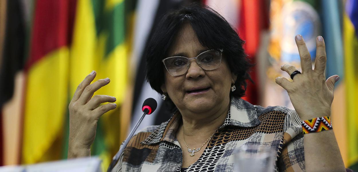 A ministra da Mulher, da Família e dos Direitos Humanos Damares Alves