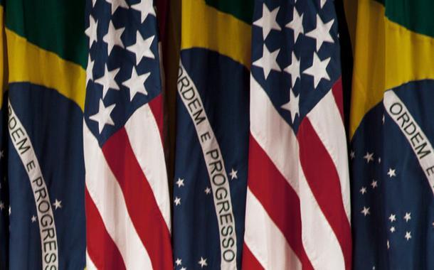 Presidente Jair Bolsonaro discursa a empresários em Miami 09/03/2020 REUTERS/Marco Bello