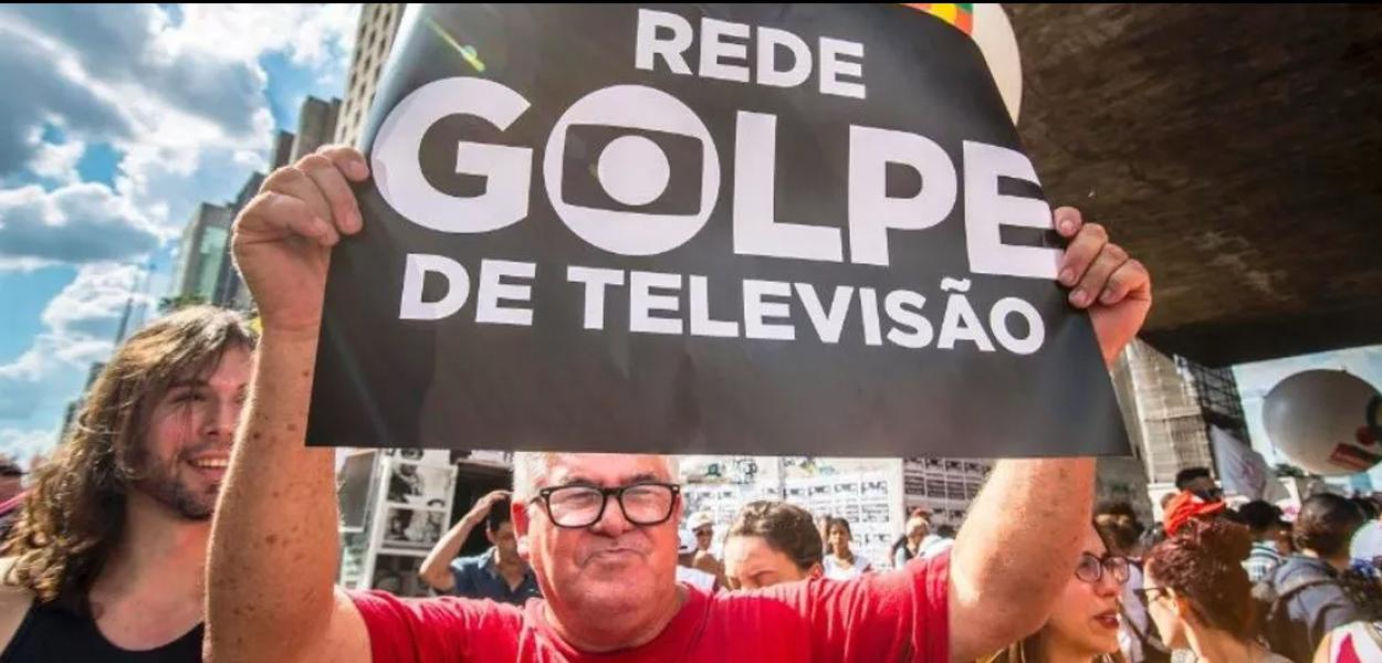 Os cabrestos eletrônicos do TSE e da Globo.