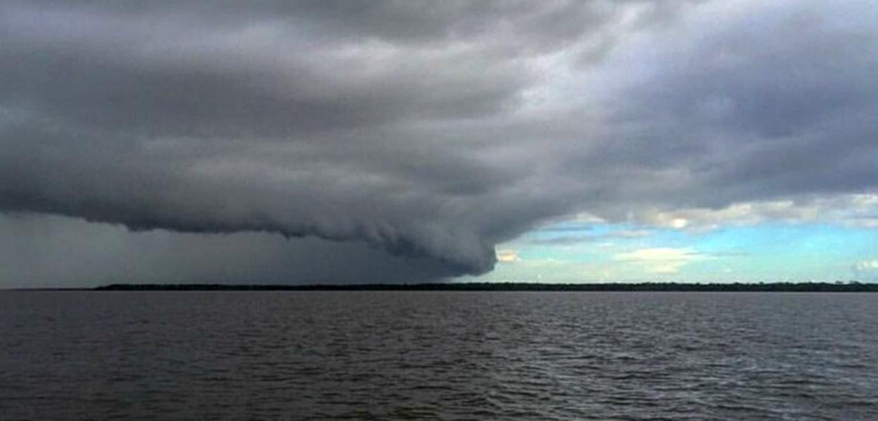 Marinha emite alerta para possível ciclone no litoral.