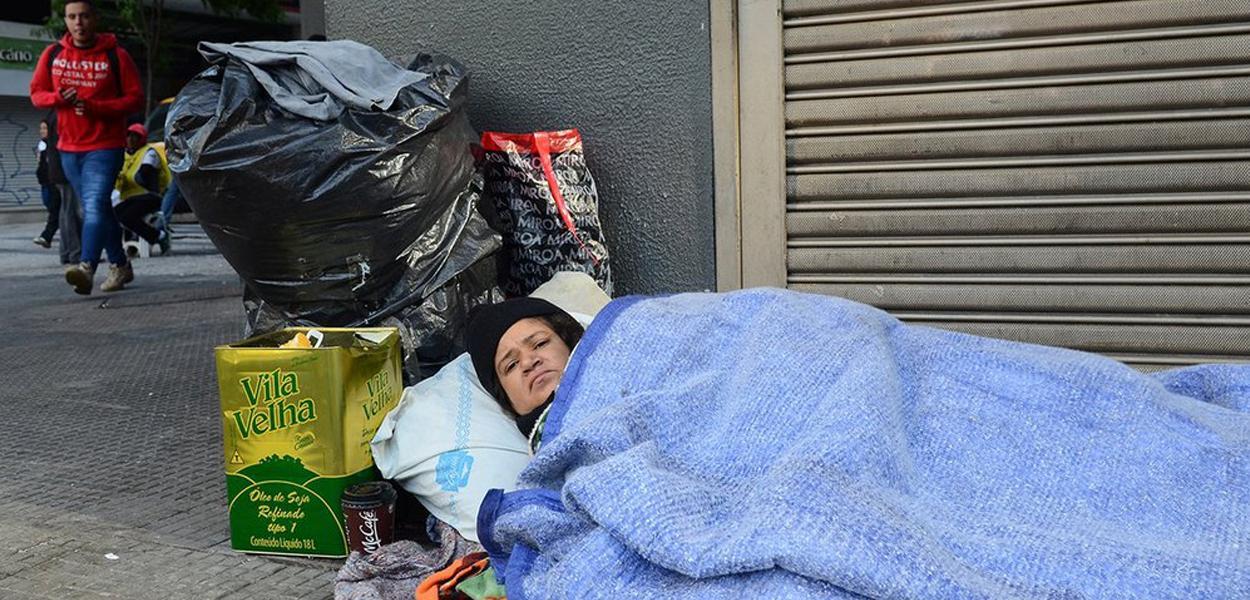 População de rua desperta preconceito, ódio e a habitual falta de educação da classe média.