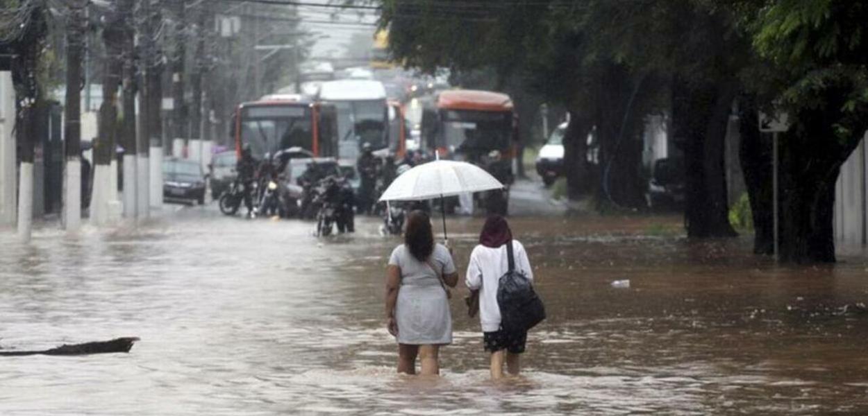 Chuvas deixam rastro de destruição em São Paulo