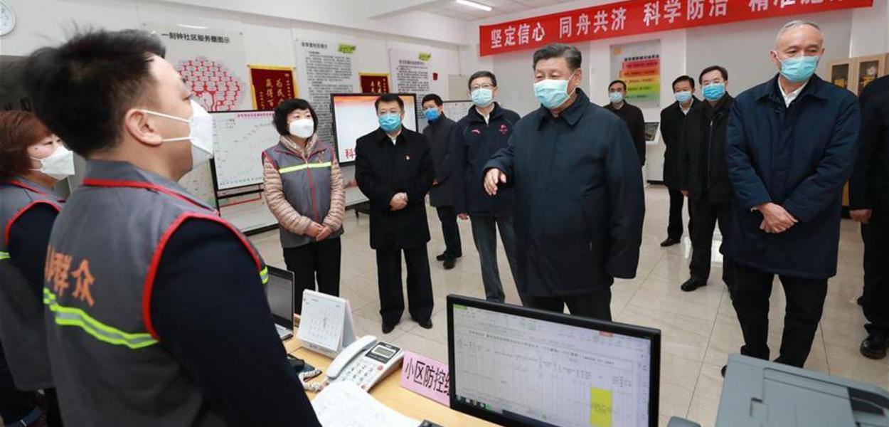 Em visita de inspeção, Xi diz que vai vencer a guerra popular contra o coronavírus