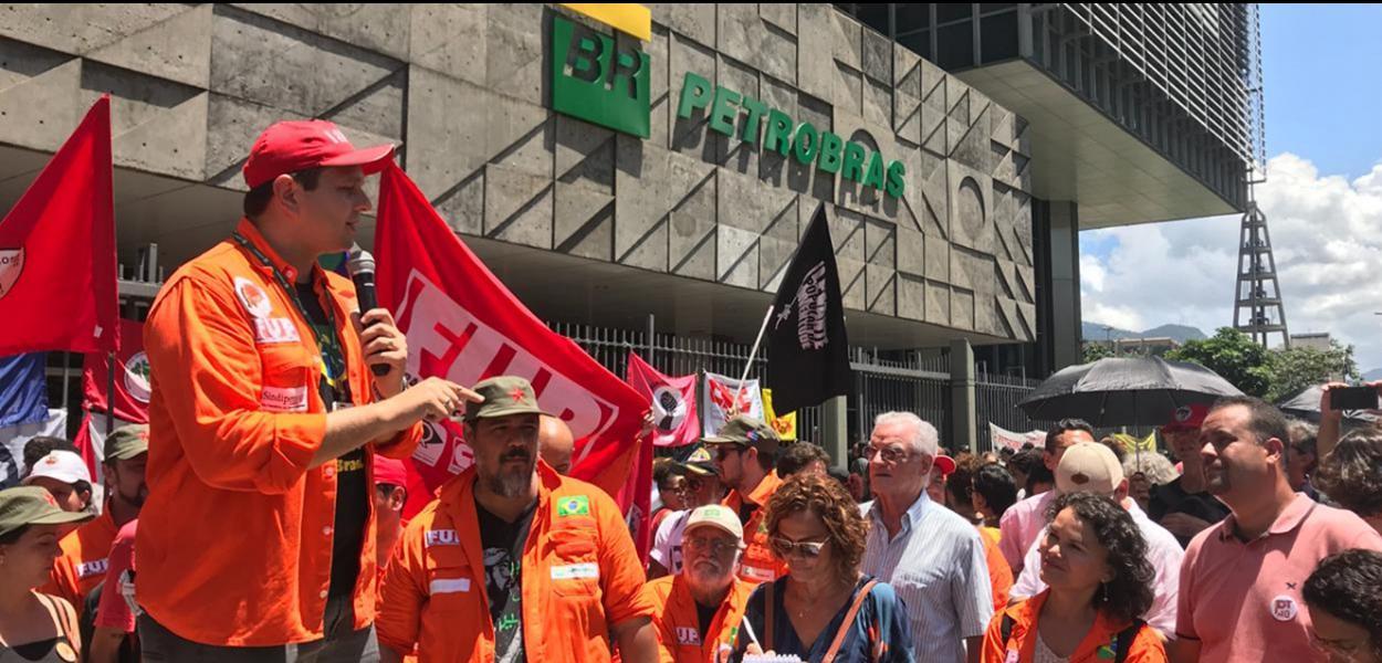 Intransigência da Petrobras pode levar a desabastecimento de combustíveis.