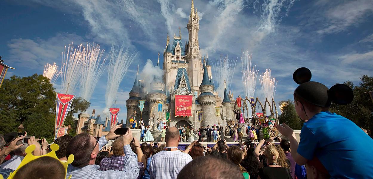 Empresa organiza sorteio para levar doméstica à Disney.