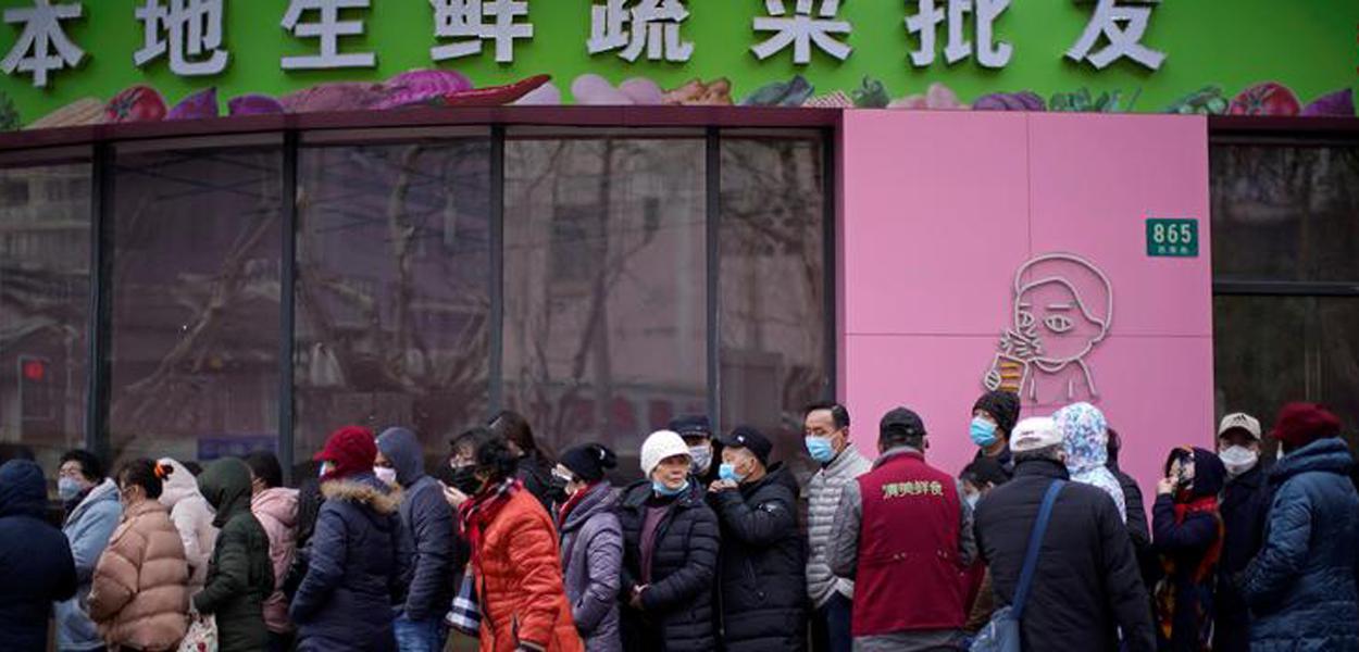 China diz que há riscos de importação de novos casos de Covid-19