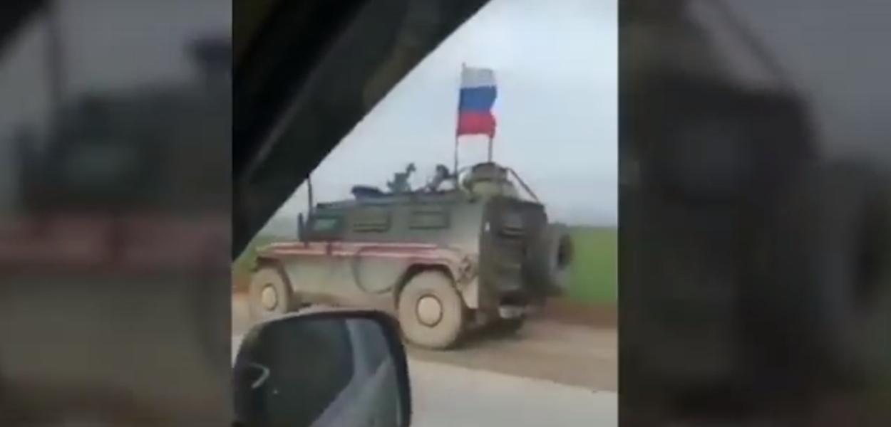 Veículo russo e norte-americano na Síria