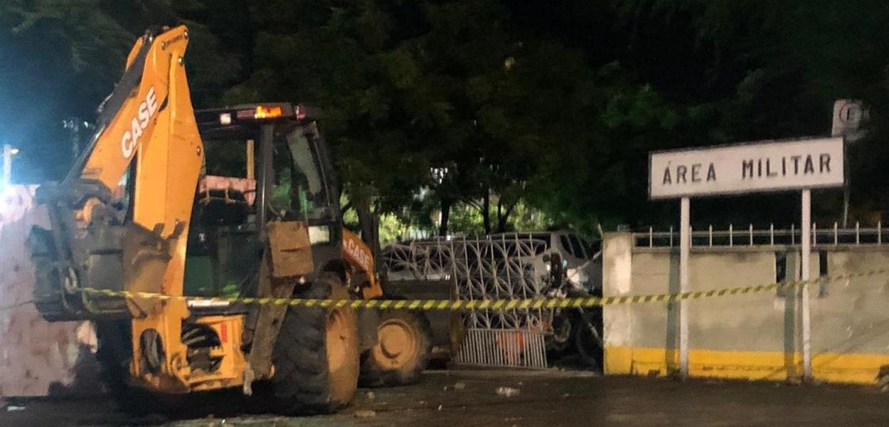 Clima fica tenso com motim de policiais no Ceará