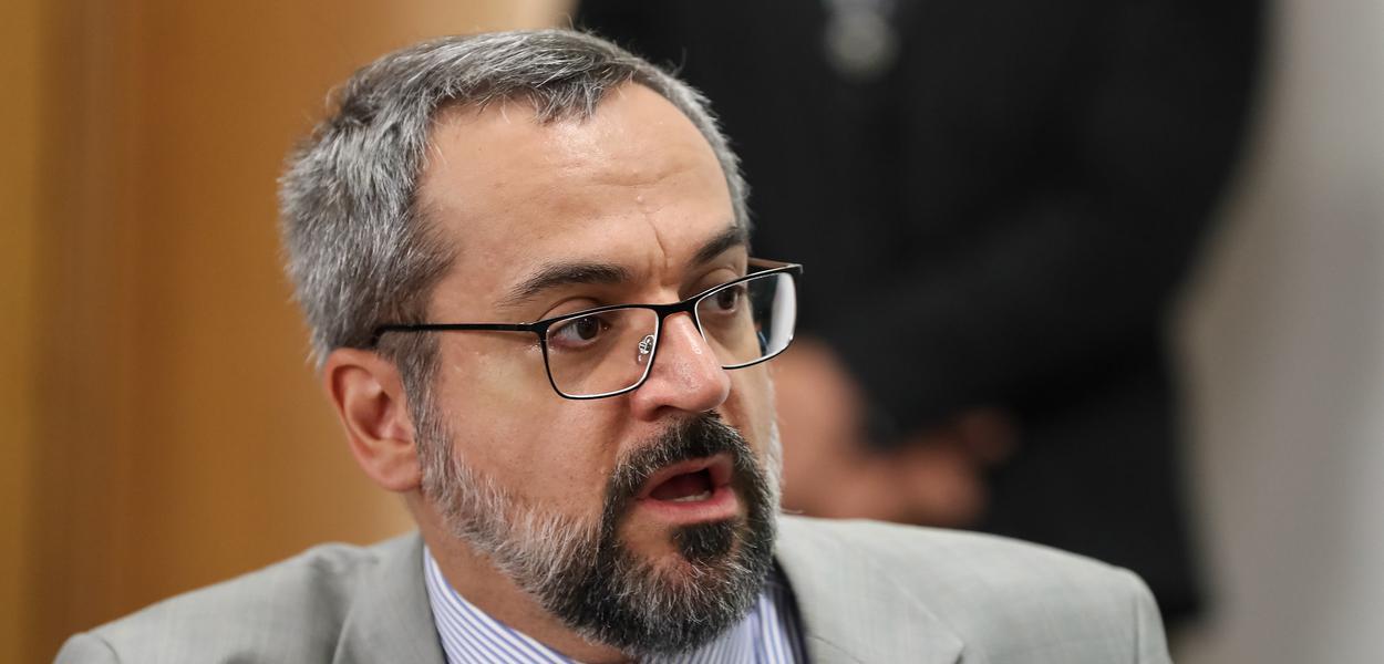 Deputados também apontaram falta de decoro de Abraham Weintraub