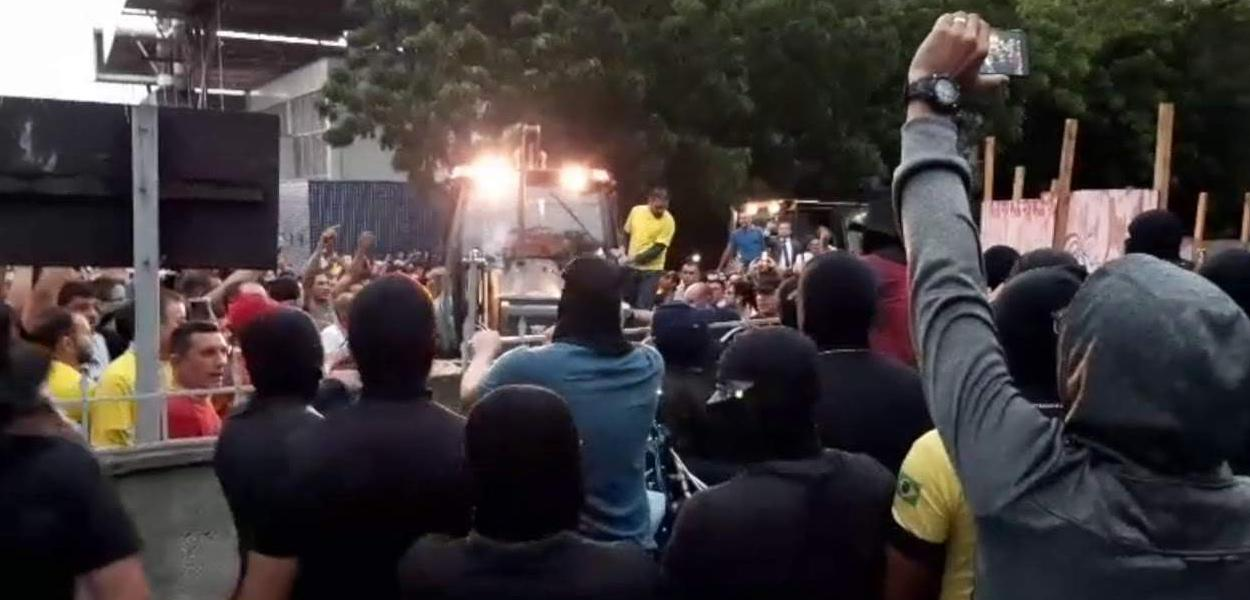Policiais militares amotinados no Ceará