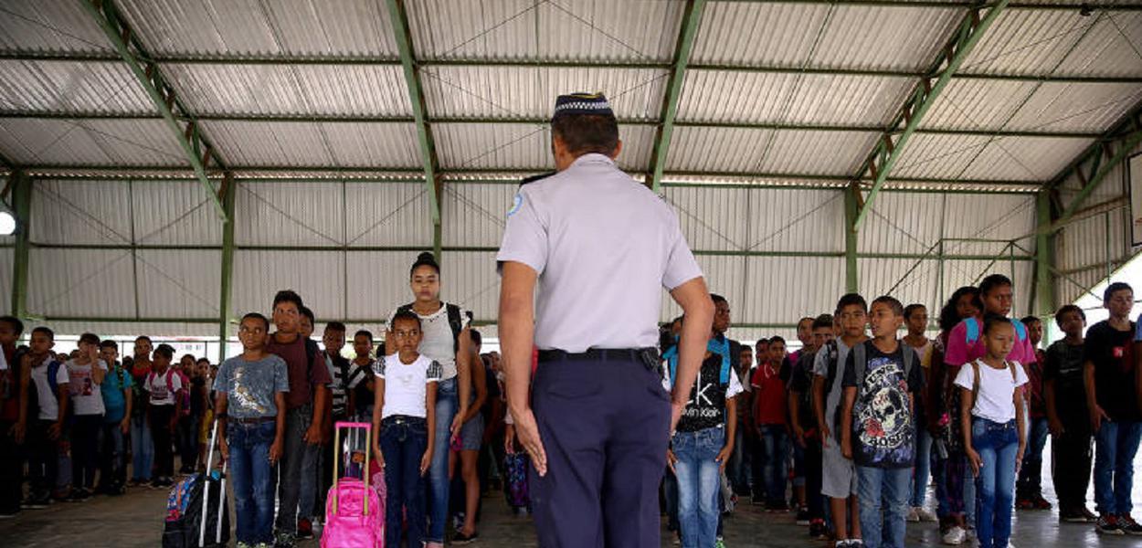 Escola cívico-militar de Roraima