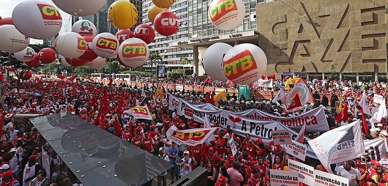 Centrais sindicais exigem providências.