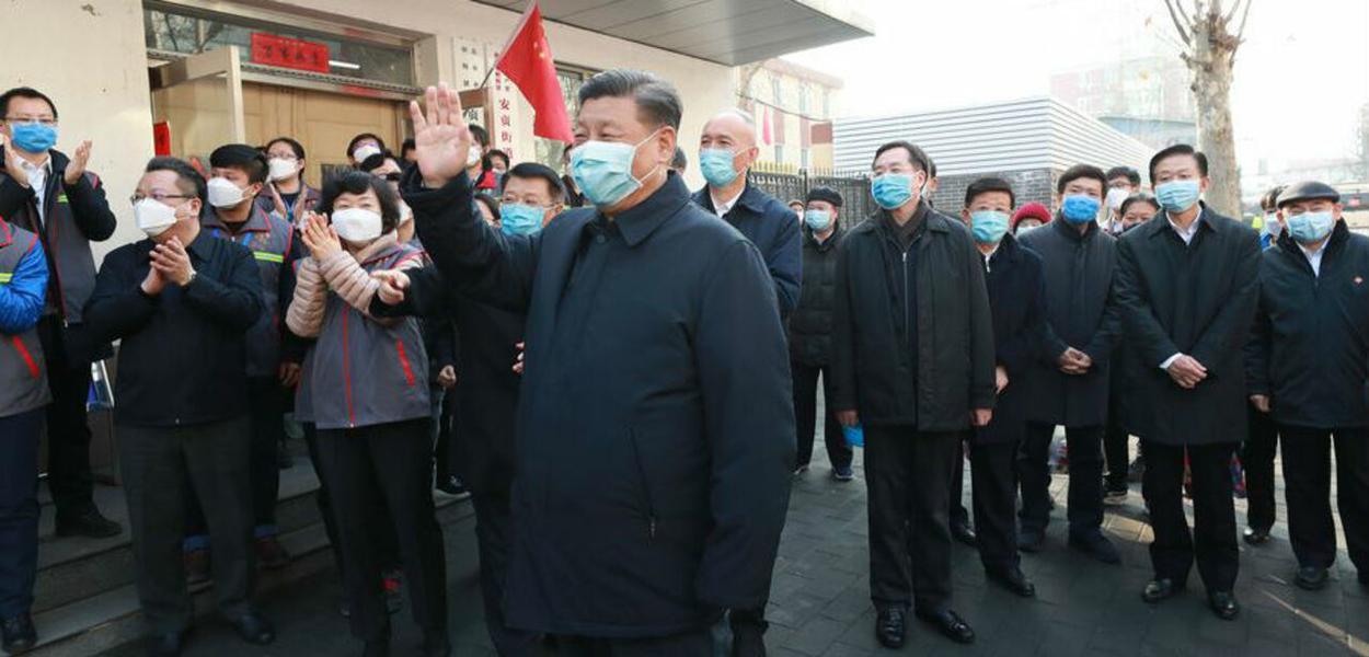 Xi Jinping assumiu a frente do combate à COVID-19