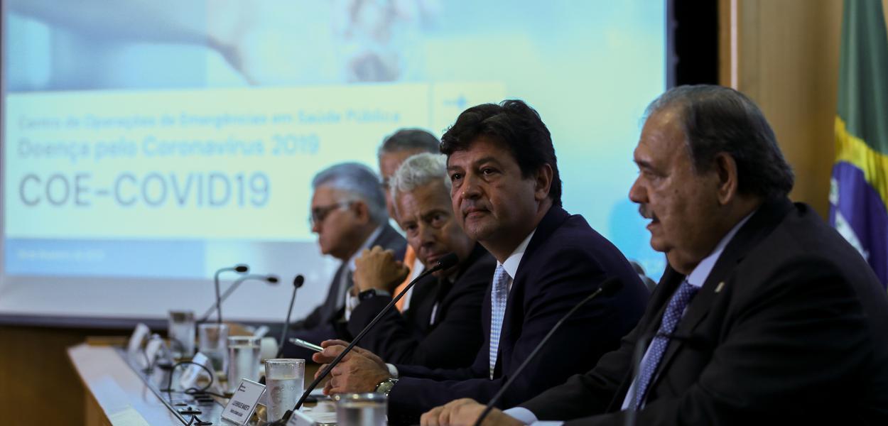 O ministro da Saúde, Luiz Henrique Mandetta e o secretário paulista de Saúde, José Henrique Germann Ferreira
