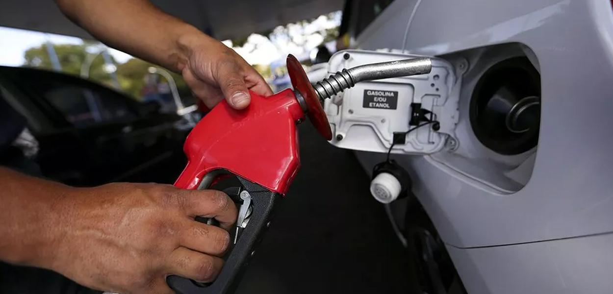 Petrobrás reduzirá preço de combustíveis.