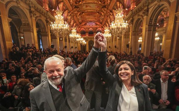 Lula e Anne Hidalgo em Paris
