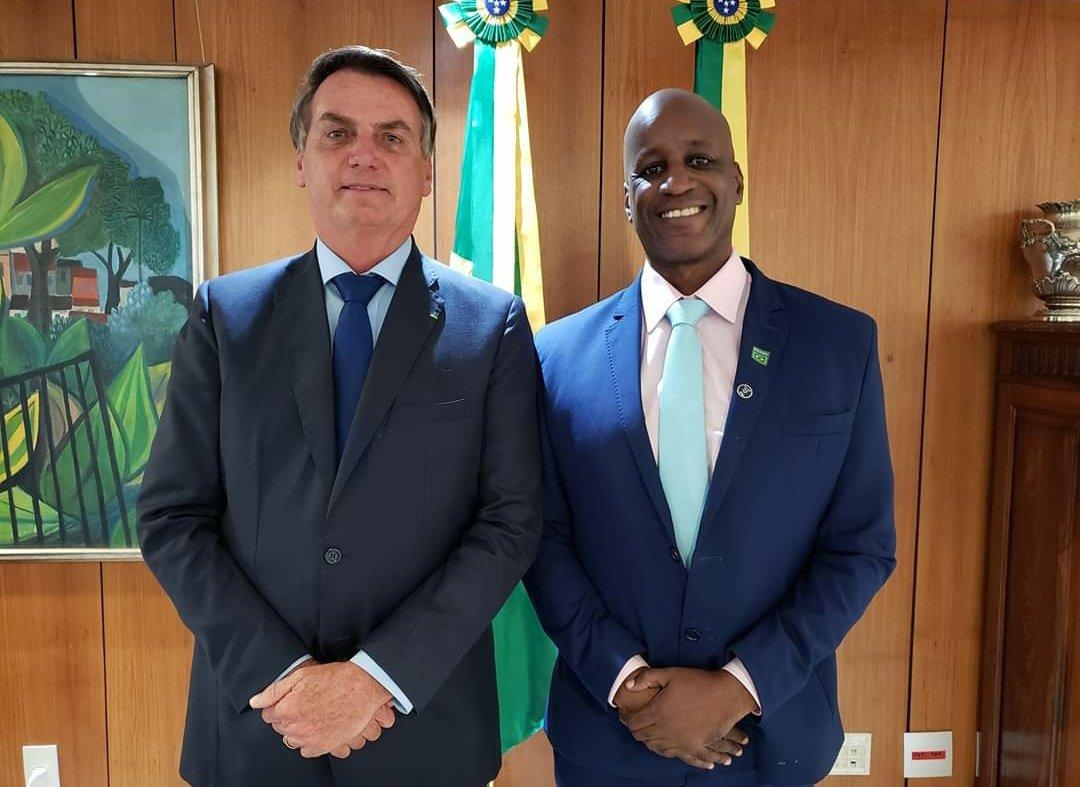 Bolsonaro e Sergio Camargo, da Fundação Palmares