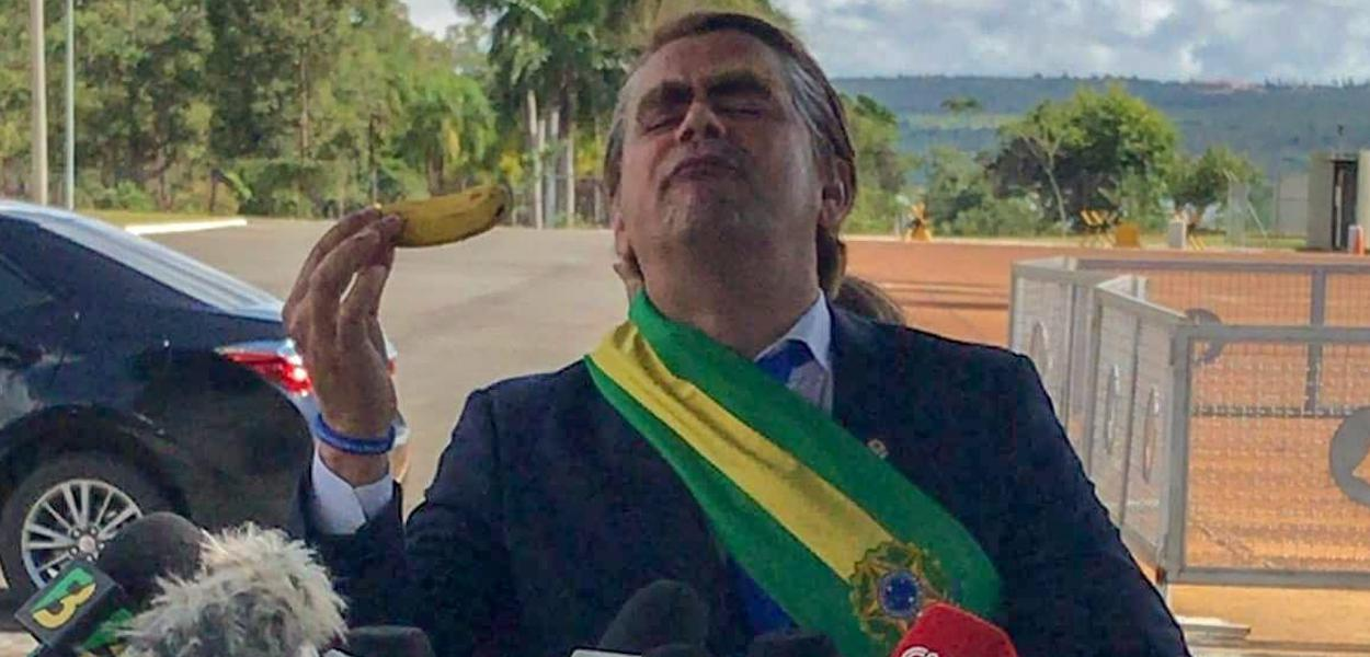O humorista Carioca fantasiado de Jair Bolsonaro