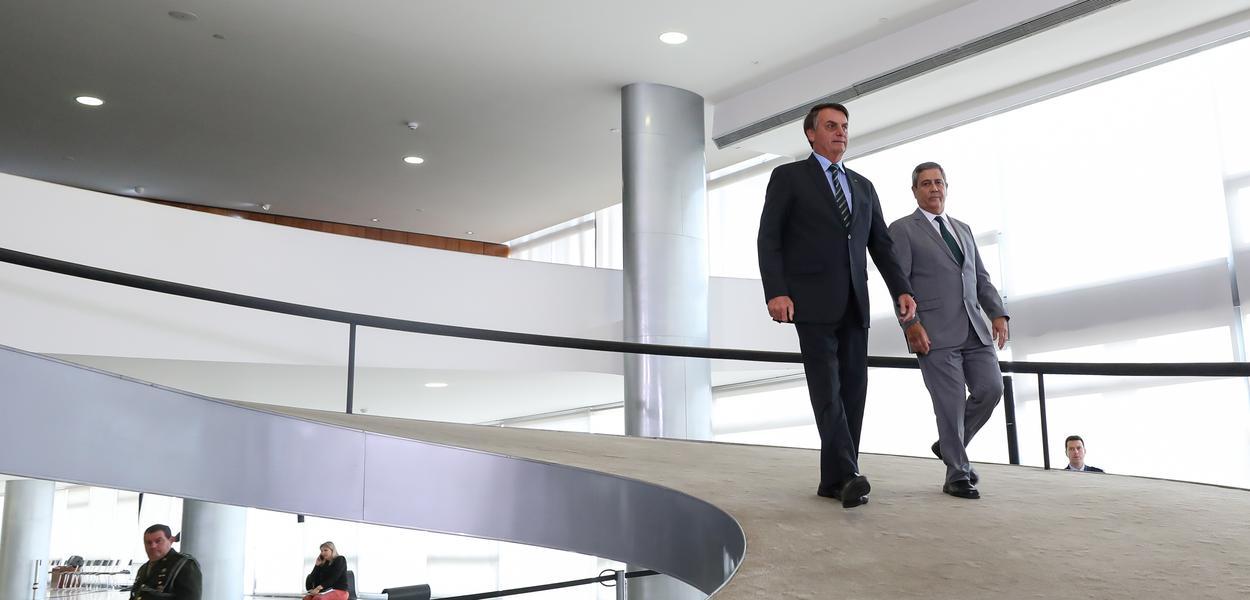 Jair Bolsonaro e o ministro Chefe da Casa Civil, General Braga Netto, participam da solenidade de Lançamento da Agenda + Brasil