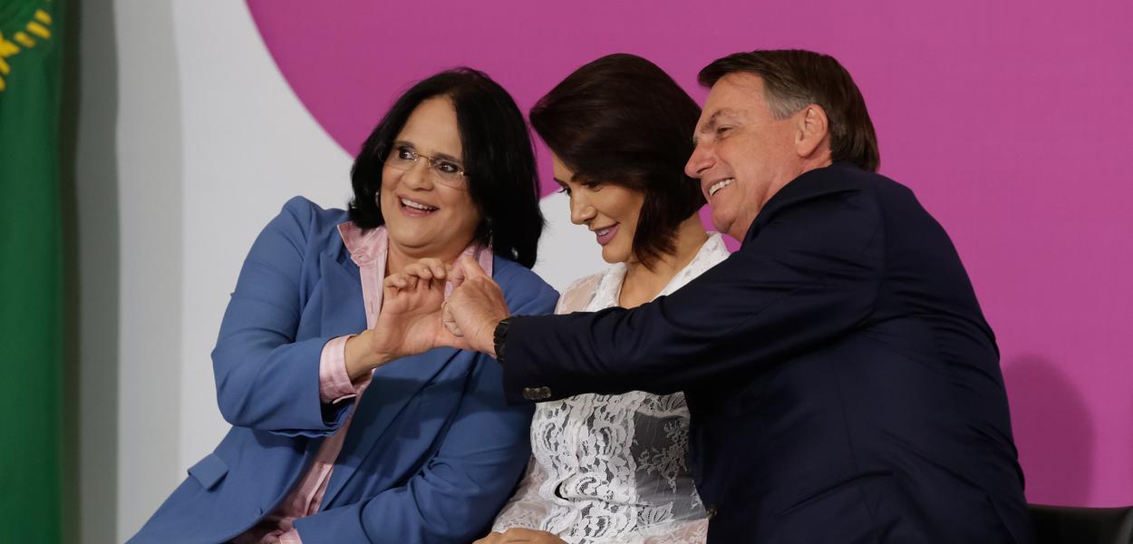 Damares Alves, Michelle Bolsonaro e Jair Bolsonaro