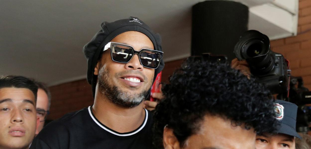 Ronaldinho Gaúcho e Roberto Assis