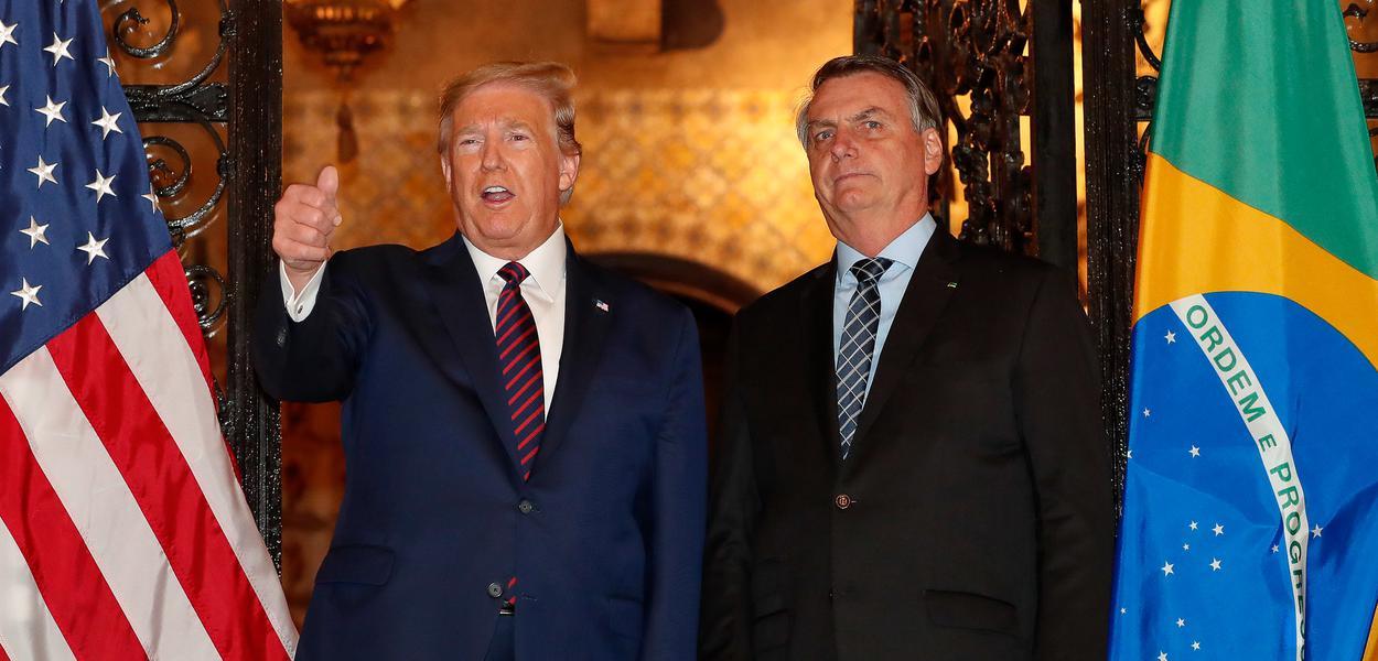 Jair Bolsonaro e Donald Trump após jantar na Flórida (EUA)