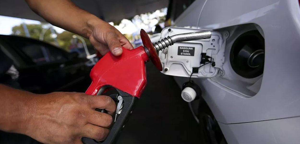Petrobrás deve reduzir preço de combustíveis.