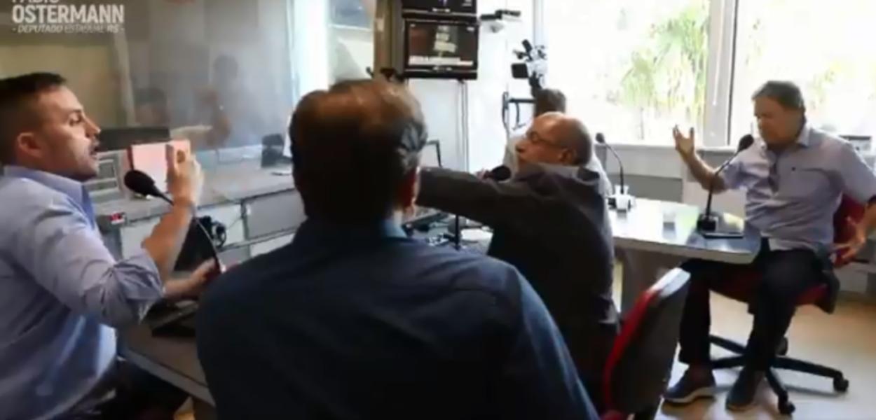 Fábio Ostermann em entrevista à Rádio Bandeirantes