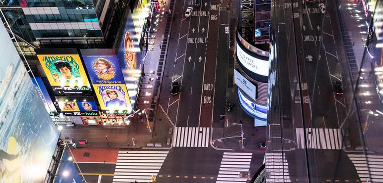 Times Square, em Nova York, vazia sob quarentena
