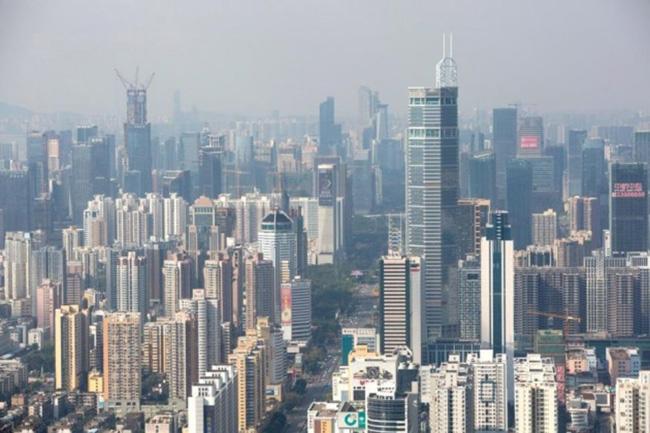 Arranha-céus em bairro de Xangai, na China