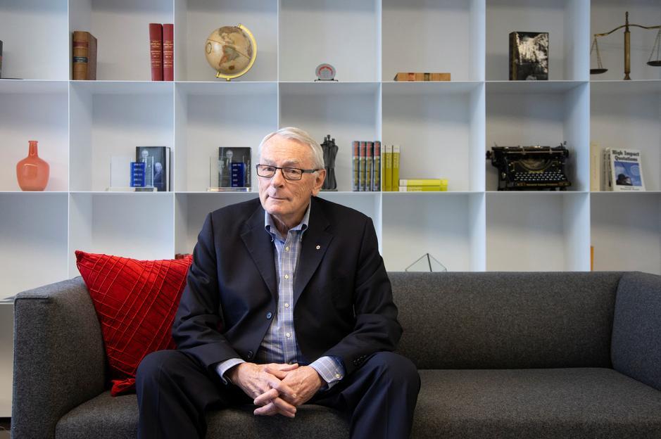 Membro mais antigo do COI, canadense Dick Pound