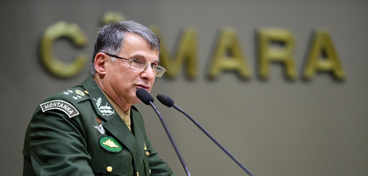 General Edson Pujol, comandante do Exército