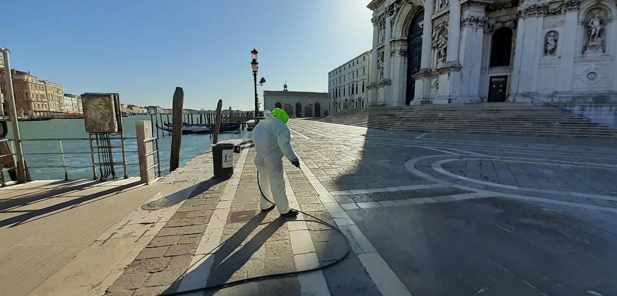 Serviço de higiene ambiental e serviços urbanos em 51 municípios nas províncias de Veneza e Treviso