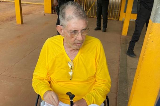 João de Deus, 77 anos