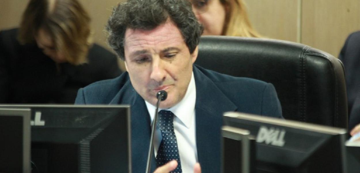 Carlos Moreira Alves