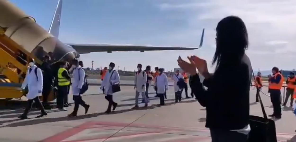 Segunda leva de médicos cubanos chegam à Itália (Turim)