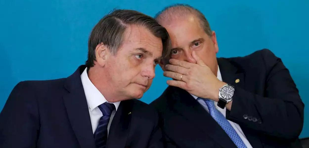 Jair Bolsonaro conversa com ministro Onyx Lorenzoni