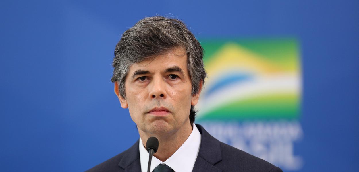 Novo ministro da Saúde, Nelson Teich tomou posse nesta sexta-feira (17), em meio à crise do coronavírus