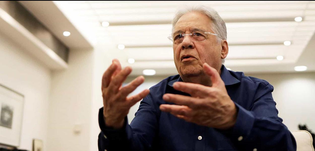 """Ex-presidente lamenta o fato de Jair Bolsonaro ter ido a """"manifestações antidemocráticas"""""""