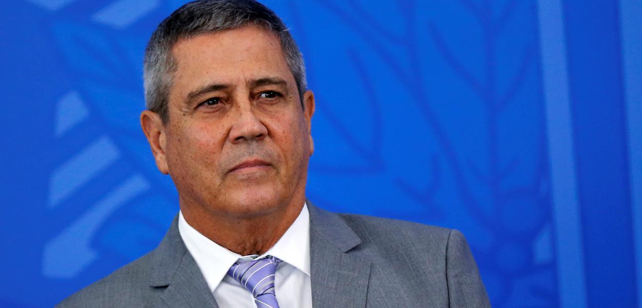 Sem experiência política, o general Walter Braga Netto assume um plano de uma economia ainda sem rumo conduzida pelo atual governo