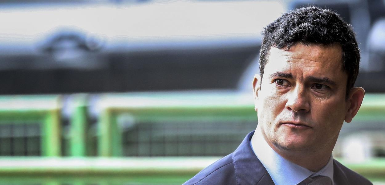 Desarticulação entre o ministro Sérgio Moro e Jair Bolsonaro ficou mais evidente após exoneração na PF