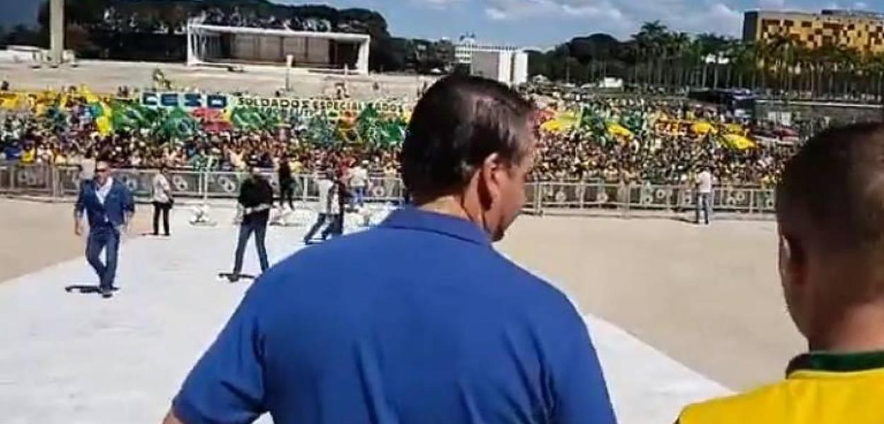 Bolsonaro desobedece à Constituição, diz O Globo em editorial
