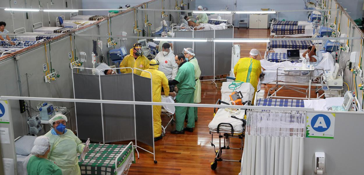 Hospital de campanha para vítima de Covid-19 em Santo André, São Paulo 06/05/2020 REUTERS/Amanda Perobelli