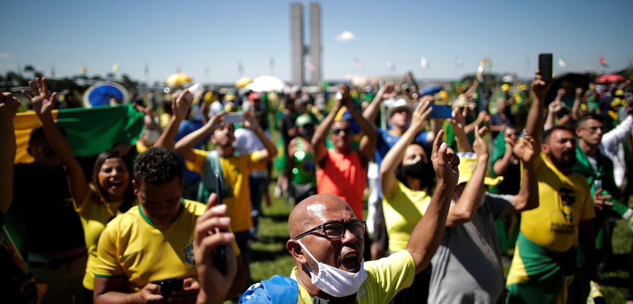 Apoiadores de Bolsonaro fazem manifestação em Brasília 03/05/2020